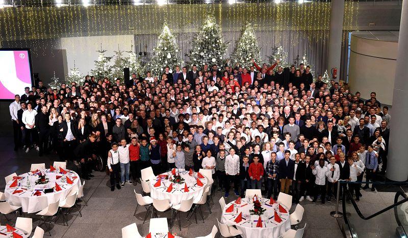 Weihnachtsfeier In Düsseldorf.Fortuna Düsseldorf 1895 Fortuna Familie Feiert Große Weihnachtsfeier
